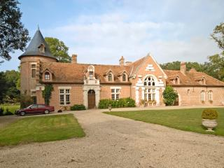 Perfect 8 bedroom Romorantin-Lanthenay Villa with Internet Access - Romorantin-Lanthenay vacation rentals
