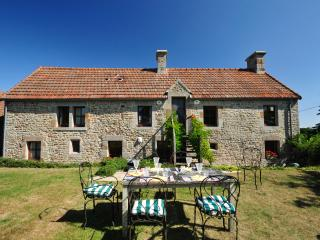 Lovely 4 bedroom Quettehou House with Internet Access - Quettehou vacation rentals
