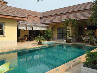 Villa Bos with private pool  in Pattaya - Chonburi Province vacation rentals