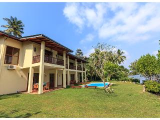 Nice 3 bedroom Koggala Villa with Internet Access - Koggala vacation rentals