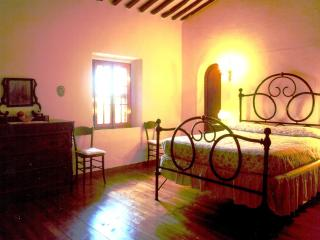 5 bedroom Villa in Greve in Chianti, Chianti, Tuscany, Italy : ref 2293913 - Lucolena in Chianti vacation rentals