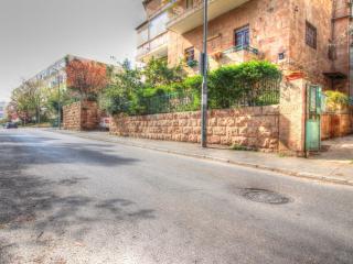 Garden apartment in Old Katamon - Jerusalem vacation rentals