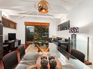 Meko - central Carlton Melbourne luxury residence - Melbourne vacation rentals