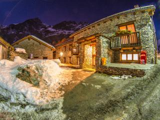 10 bedroom Resort with Internet Access in Bardonecchia - Bardonecchia vacation rentals