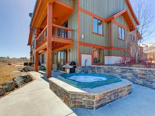 Dog-friendly home w/ views of the Jordanelle Reservoir plus private hot tub - Heber City vacation rentals