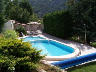2 houses with pool, near Menton .Cote d'Azur - Saint Martin-Vesubie vacation rentals