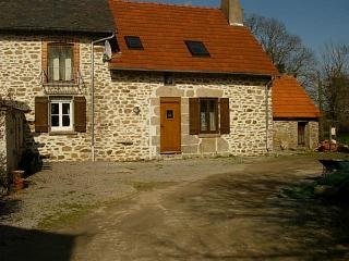 Wisteria Cottage, Lascoux, Nr Azerables, La Creuse - La Souterraine vacation rentals