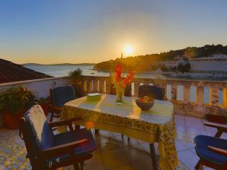 Exlusive apartment Hvar harbor - Hvar vacation rentals