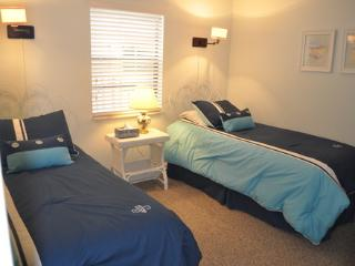 2 bedroom Apartment with Internet Access in Jacksonville Beach - Jacksonville Beach vacation rentals