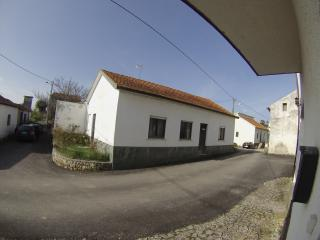 Nice and Cheap Home near the Beach and Mountains - Coimbra District vacation rentals
