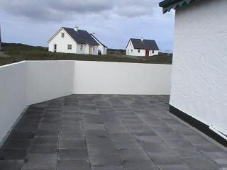 3 bedroom Cottage with Internet Access in Ballyconneely - Ballyconneely vacation rentals