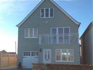 Bright House with Internet Access and Washing Machine - Beadnell vacation rentals