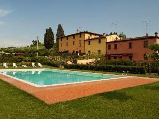 Appartamento con piscina vicino Firenze - Montespertoli vacation rentals
