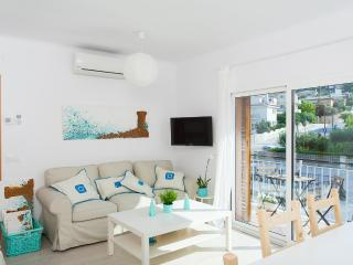 AMAZING MEDITERRANEAN APARTMENT - Tossa de Mar vacation rentals