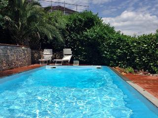 Le Palme - private pool, A/C,  beaches & 5 terre - La Spezia vacation rentals