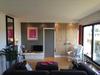 APPARTEMENT TERRASSE ROLAND GARROS - Boulogne-Billancourt vacation rentals
