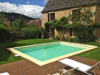 Traditional stone property near Sarlat, Dordogne - Cenac-et-Saint-Julien vacation rentals