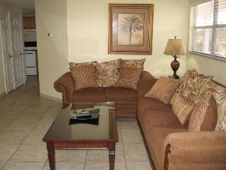 Casey Key Deluxe Suite with a Beachview - Unit 12 - Nokomis vacation rentals