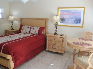 Casey Key Beach Courtyard Efficiency - Unit 16 - Nokomis vacation rentals
