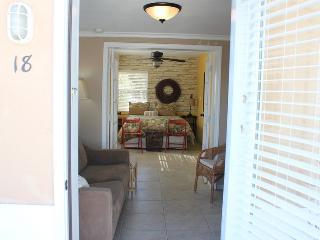 Casey Key Deluxe Beach Efficiency - Unit 18 - Nokomis vacation rentals
