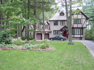 Luxury Executive Tudor - Oakville vacation rentals