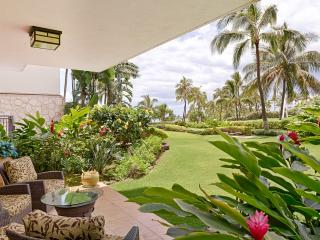 Magnificent Ground Floor 2 BR/2 Bath Villa right on the lagoon in Beach Tower - Ko Olina Beach Villa - Oahu vacation rentals