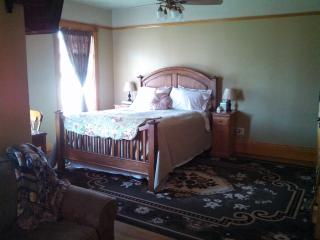 1899 House -- Rigby Suite (See also: Dora Suite) - Liberty Lake vacation rentals