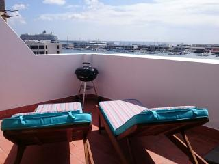 Nice Townhouse with Internet Access and Satellite Or Cable TV - Arrecife vacation rentals
