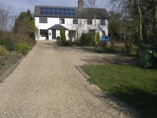 Hideaway cottage in open countryside - Huntingdon vacation rentals