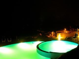 Affittasi appartamento con piscina - Trinita d'Agultu e Vigno vacation rentals