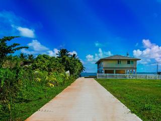 Kahaluu Ocean Retreat - Honolulu vacation rentals
