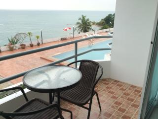 Phla Beach, Ban Chang condo overlooking sea - Ban Chang vacation rentals