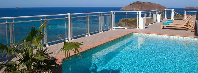 Villa Ushuaia SPECIAL OFFER: St. Barths Villa 188 This Spacious And Very Private Villa Overhangs The Ocean And The Cliffs Of Colombier. - Flamands vacation rentals