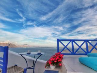 Blue  Blanco oia cave house - Santorini vacation rentals