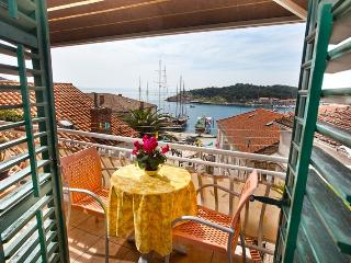 Apartment City Center Makarska - Makarska vacation rentals