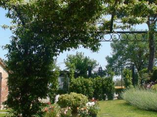 Lovely room in farmhouse in  Montepulciano - Acquaviva di Montepulciano vacation rentals