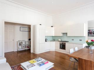 ST03 South Kensington luxury pad for 4 - London vacation rentals