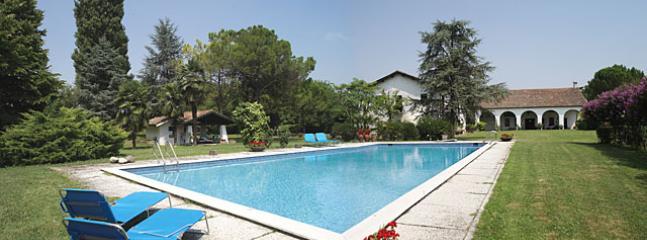 5 bedroom Villa in Abano Terme, Veneto Countryside, Veneto, Italy : ref 2135355 - Image 1 - Abano Terme - rentals