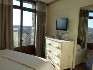 Bed & Breakfast - Montpellier - Bedroom La Suite - Teyran vacation rentals