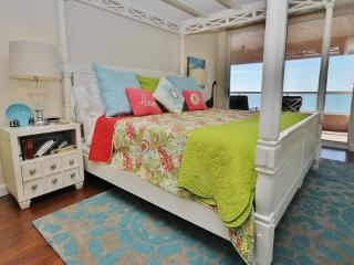 3 bedroom Apartment with Internet Access in Clearwater Beach - Clearwater Beach vacation rentals