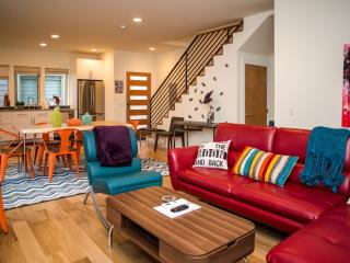 Fremont modern.  deck, en-suite bathroom, all new - Seattle vacation rentals