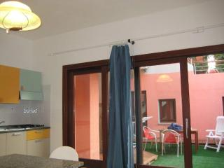appartamento vicino spiaggia - Isola Rossa vacation rentals