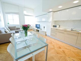 Living and dinning room - Charles Bridge DE LUXE Apartment - Prague - rentals