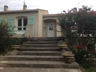Beautiful House with Internet Access and Dishwasher - Belvianes et Cavirac vacation rentals