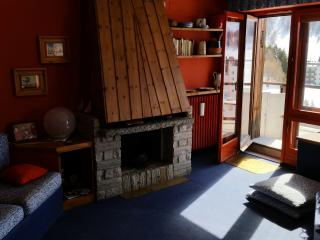 2 bedroom Apartment with Internet Access in Sestriere - Sestriere vacation rentals