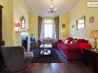 3 bed family home on Torbay Road, Queen's Park - London vacation rentals