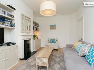 2 bed on Alverstone Avenue, by Wimbledon stadium - London vacation rentals