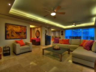 Gorgeous Condo with Internet Access and A/C - Macario Gomez vacation rentals