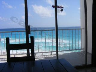 km 9.5 good spot - Cancun vacation rentals