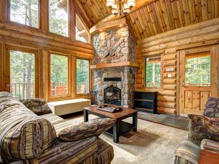 4 bed lakeside chalet at Blueberry Lake, Tremblant - Quebec vacation rentals